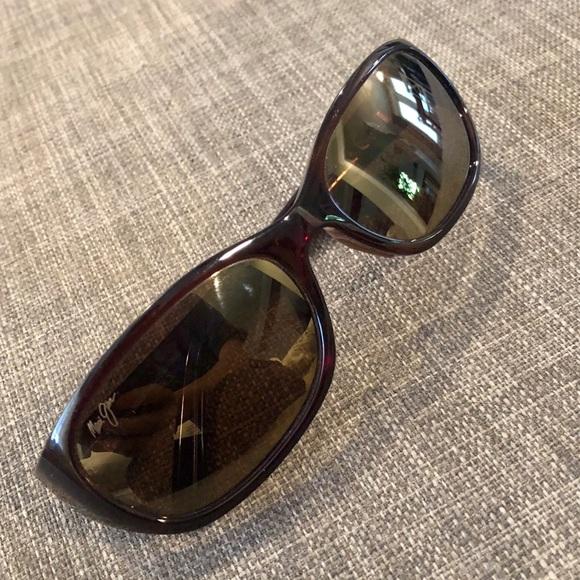 36c1c587807 Maui Jim Kuiaha Bay Sport Polarized Sunglasses. M 5b76183ed365bea6f048ddd9